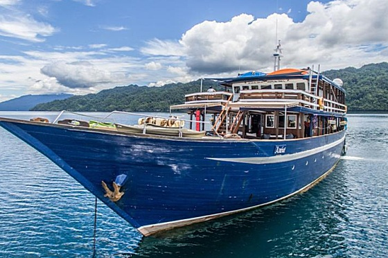 Liveaboard Indonesia Ambai