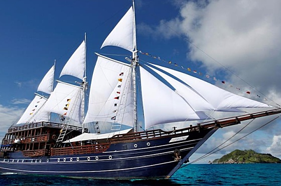 Liveaboard Indonesia Amira