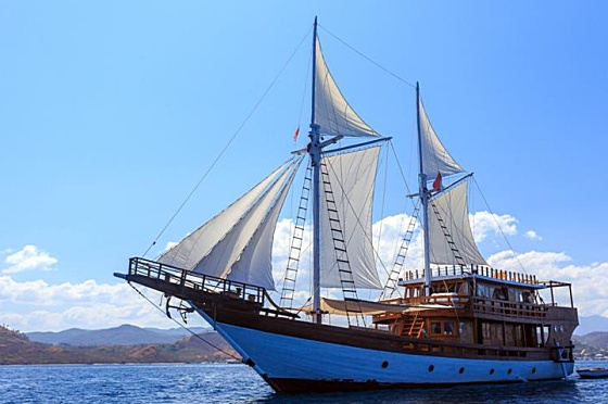 Liveaboard Indonesia Helena