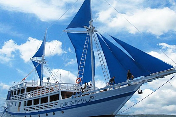 Liveaboard Indonesia Pearl of Papua