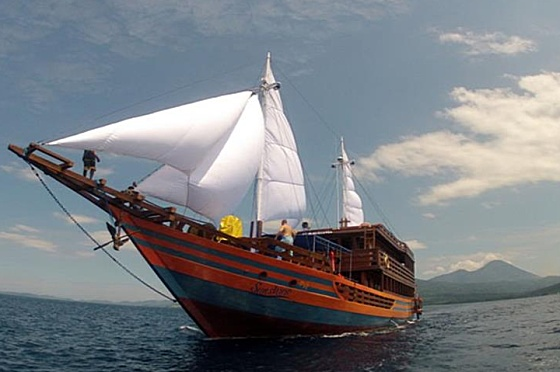 Liveaboard Indonesia Sunshine