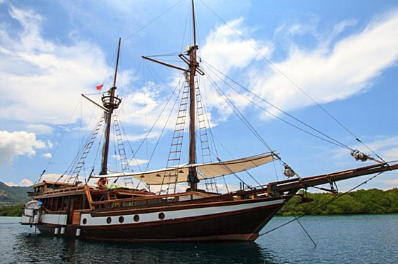Liveaboard Indonesia Wellenreng
